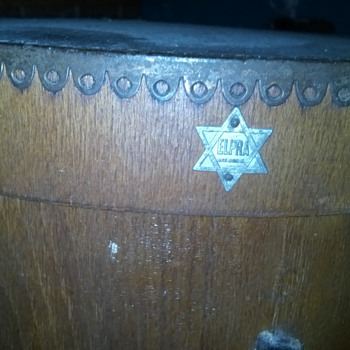 1920's Wooden hat box - Hats