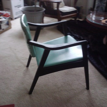 Is this chair Arne Vodder - Furniture