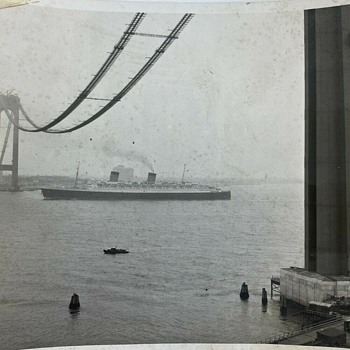 Verrazzano-Narrows Bridge cable spinning (1963) - Photographs