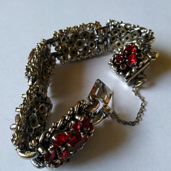 Barclay bracelet - Costume Jewelry