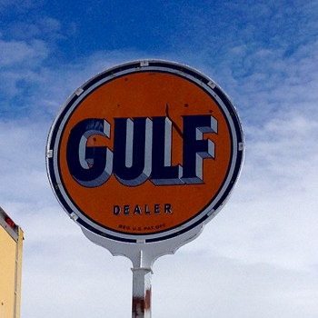 Early Gulf Dealer Sign