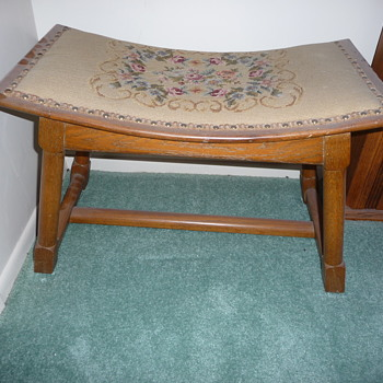 """Dusty Acorn"" Old Hickory Footstool"