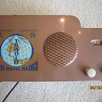 1946 Tradio 25 Cent Coin Operated 1 Hour Hotel Radio  - Radios