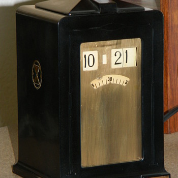 "The Telechron ""Minitmaster"" Cyclometer Clock - Clocks"