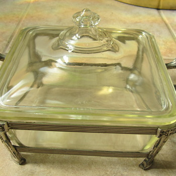 "Antique  - PYREX Covered Square Serving Dish...7"" X 7"" X 3"" - Glassware"