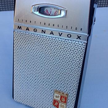 Magnavox 2-AM-80 - Radios