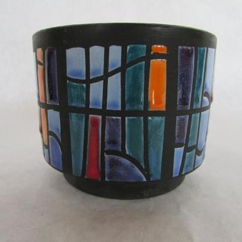 Unknown Art Pottery Vessel - Pottery