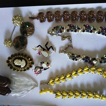 Vintage costume finds - Costume Jewelry