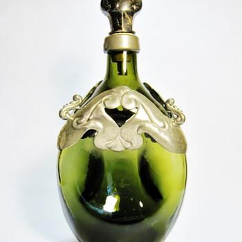 VINTAGE HOLMEGAARD -DENMARK - Art Glass
