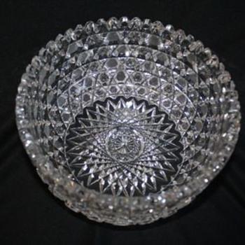 "Harvard Pattern 7"" Bowl - Glassware"