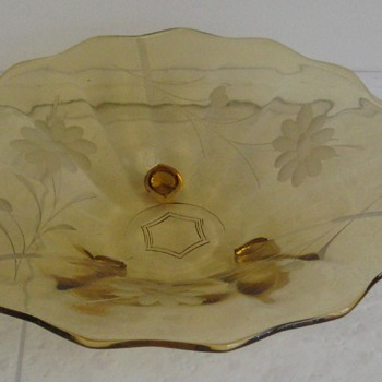 Elegant Glass- 3-toed  etched bowl - Glassware