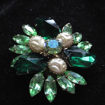 Judy Lee Green Brooch (#8) - Costume Jewelry