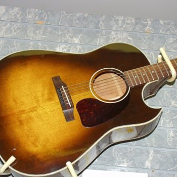 Gibson J45 Cutaway - Guitars