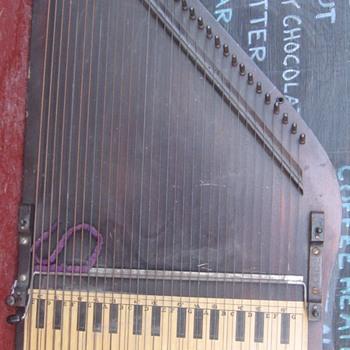 APPOLLO HARP 1895  - Musical Instruments