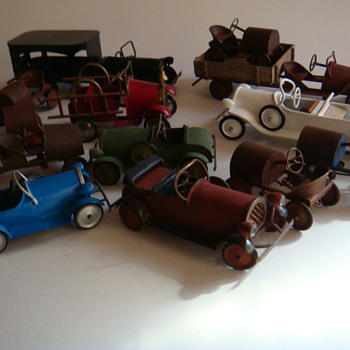 some 1/12 th scale pedal cars - Toys