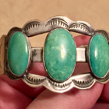 Vintage / Antique Native American Sterling Silver Bracelet  - Fine Jewelry