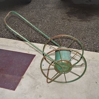 Antique Iron Garden Hose reel Can't make out pat'd. date???? - Tools and Hardware