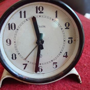 old Le Coultre clockwork alarm clock. - Clocks
