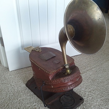 Antique Fireman Bellow-Horn