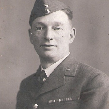 unknown man and ribbons - Military and Wartime