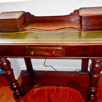 "antique ""princess"" (size) vanity desk (secretary) child's ?"