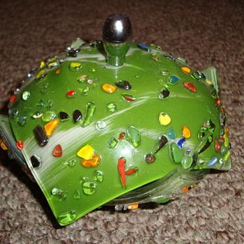 BEAUTIFUL DECO? (maybe later) BONBON GLASS DISH - Art Glass