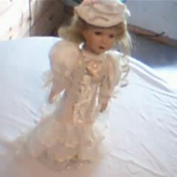 Collectible Doll Lace Wedding Dress. - Dolls
