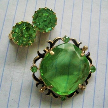 Green Envy - Costume Jewelry