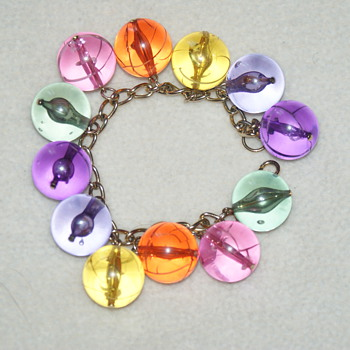 Longing for Spring:  Vintage Lucite Bracelet - Costume Jewelry