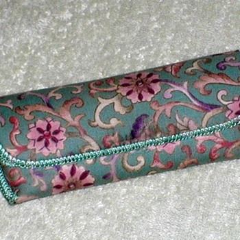 Ladies Eyeglasses Case - Accessories