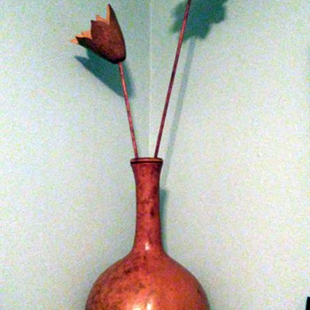 Gourd vase and flowers