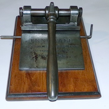 The Tengwall File and Ledger Hole Punch