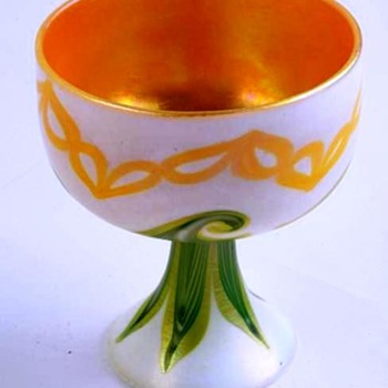 Quezal Chain & Pulled Feather Decorated Sherbet c.1910. - Art Glass