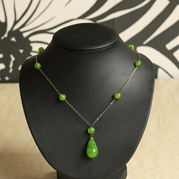 Art deco/art nouveau green venetian glass lavalière - Costume Jewelry