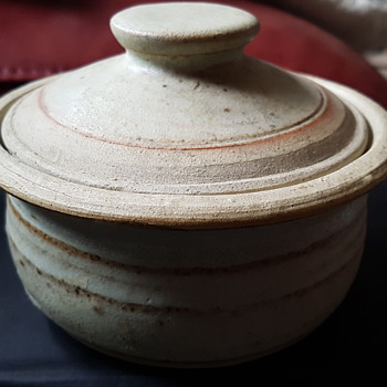 Llanarth pottery . Wales