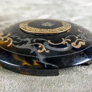 Antique 19th century wounded turtleshell bonbonniere, gold and silver inlaid. Before kyratisation. - Victorian Era