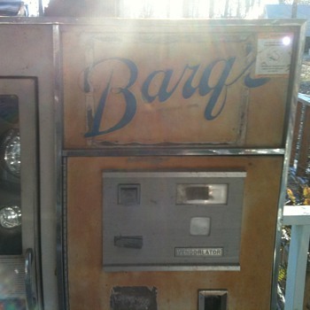 barqs soda machine - Coin Operated