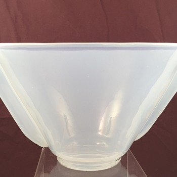 Loetz Brillantopal (Brilliant Opal) bowl, PN unknown, ca. 1936 - Art Glass