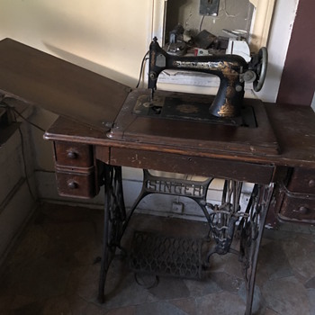 Old sewing machine! - Sewing