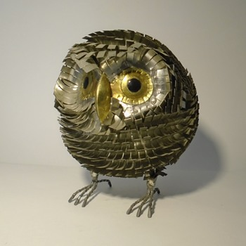 Large metal artisan-made 'puffy' owl sculpture  - Animals