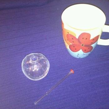Little Glass Item with straw/stick - Glassware