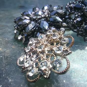 Black is my new favorite!! - Costume Jewelry