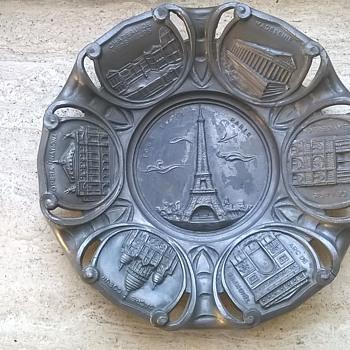 An Old Pewter Souvenir Plate/ Tourist Piece Made, Perhaps, For A Paris Exposition? - Art Deco