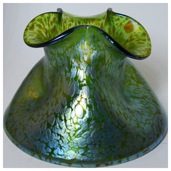 Post #600-LOETZ CRETA PAPILLION IRIDESCENT PINCHED SQUAT VASE,PN 8115, Circa 1899 - Art Glass
