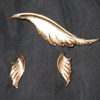 Trifari pin & earrings - Costume Jewelry