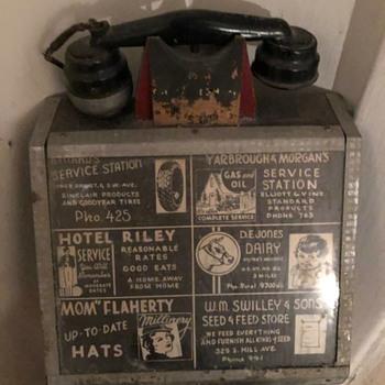 antique telephone not sure what era  - Telephones
