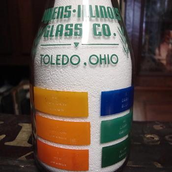 Owens Illinois Glass Co. Toledo, Ohio color sample milk bottle - Bottles