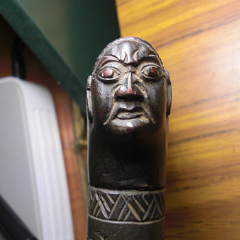 Taiwanese aboriginal headhunters carved, signed sword.