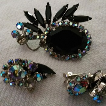 Juliana or not? - Costume Jewelry