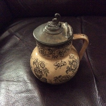 Small pitcher with hinged lid - Pottery